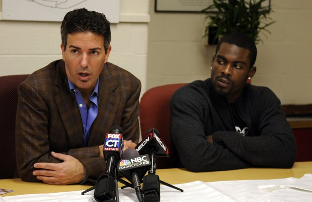 Michael Vick and Wayne Pacelle team up in the wake of felony dog fighting conviction ~NBC News